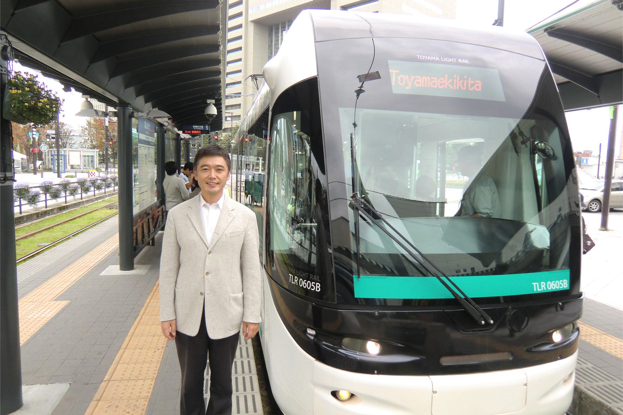 少子高齢化、公共交通の役割は増します。バリアフリーでエコな路面電車は観光にも一役。